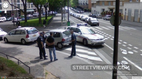 policelookingforsomething