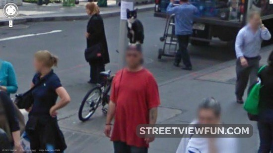 16 weirdest people on Google Street View