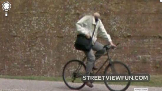 headless-bicyclist-google-street-view2