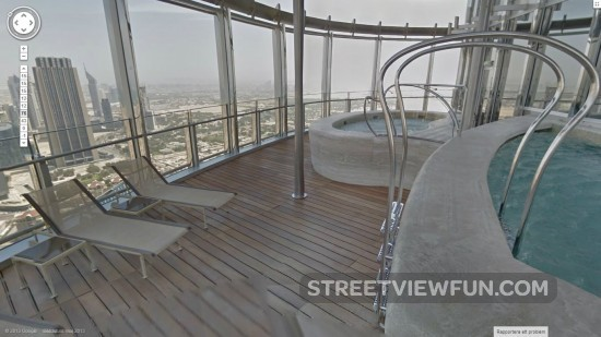 Streetviewfun on the 76th floor of the highest skyscraper in the world for Burj khalifa swimming pool 76th floor