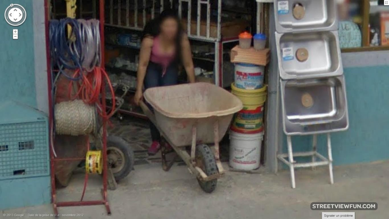 colombian-woman-hard-at-work
