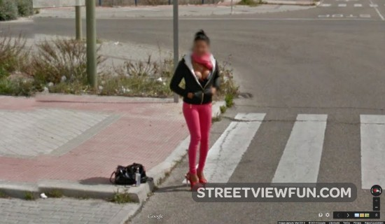 girl-flashing-street-view