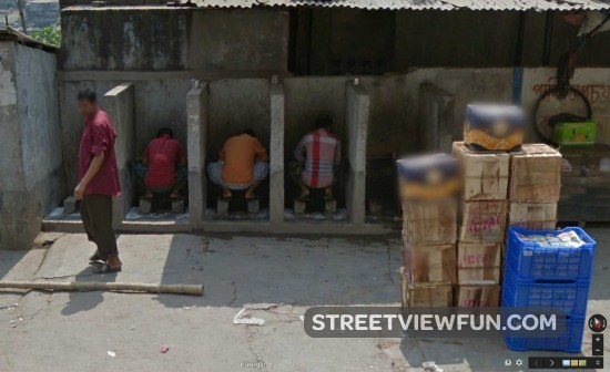 streetviewfun what they do in public in dhaka bangladesh. Black Bedroom Furniture Sets. Home Design Ideas