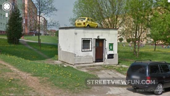 parkingontopofatinyhouse
