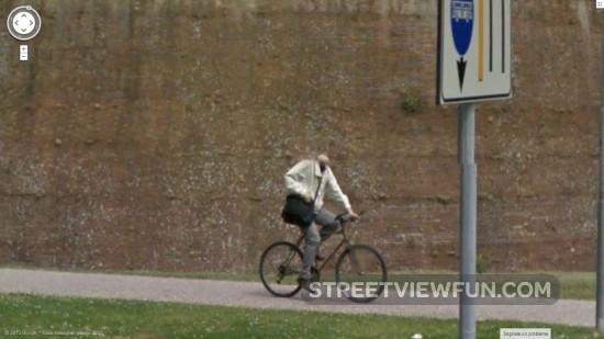 headless-bicyclist-google-street-view