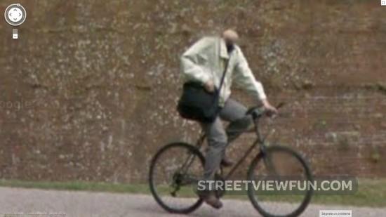 headless-bicyclist-google-street-view2