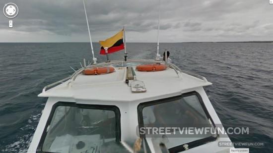 galapagos-boat