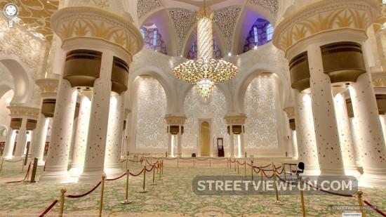 abu-dhabi-street-view-mosque