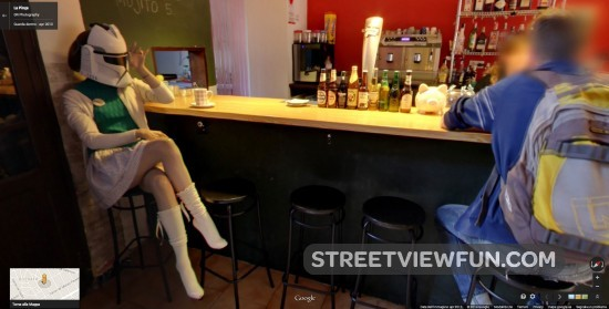 lady-stormtrooper-in-bar