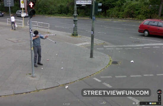 german-sniper-google-street-view5