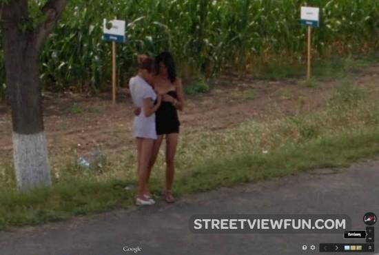 girls-playing-road1