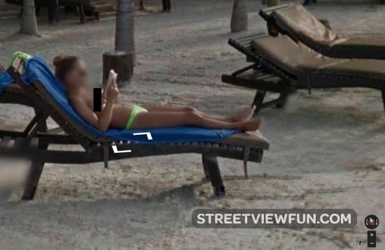 reading-beach3