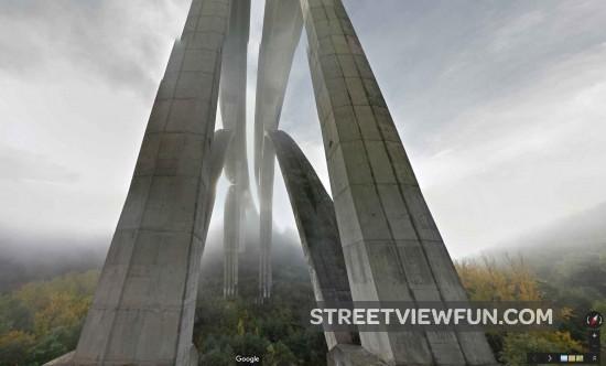 mist-bridge-street-view