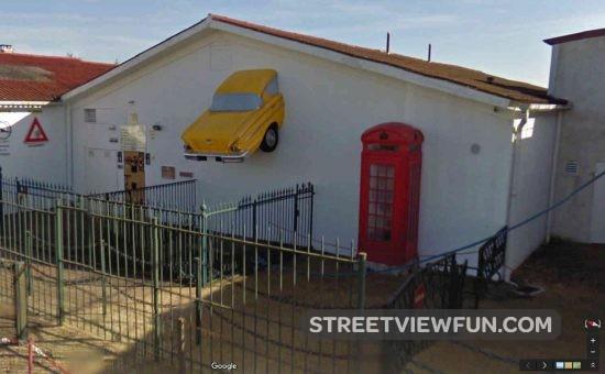 yellow-car-house
